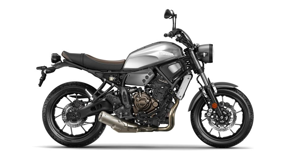 2016-Yamaha-XSR700-EU-Garage-Metal-Studio-002