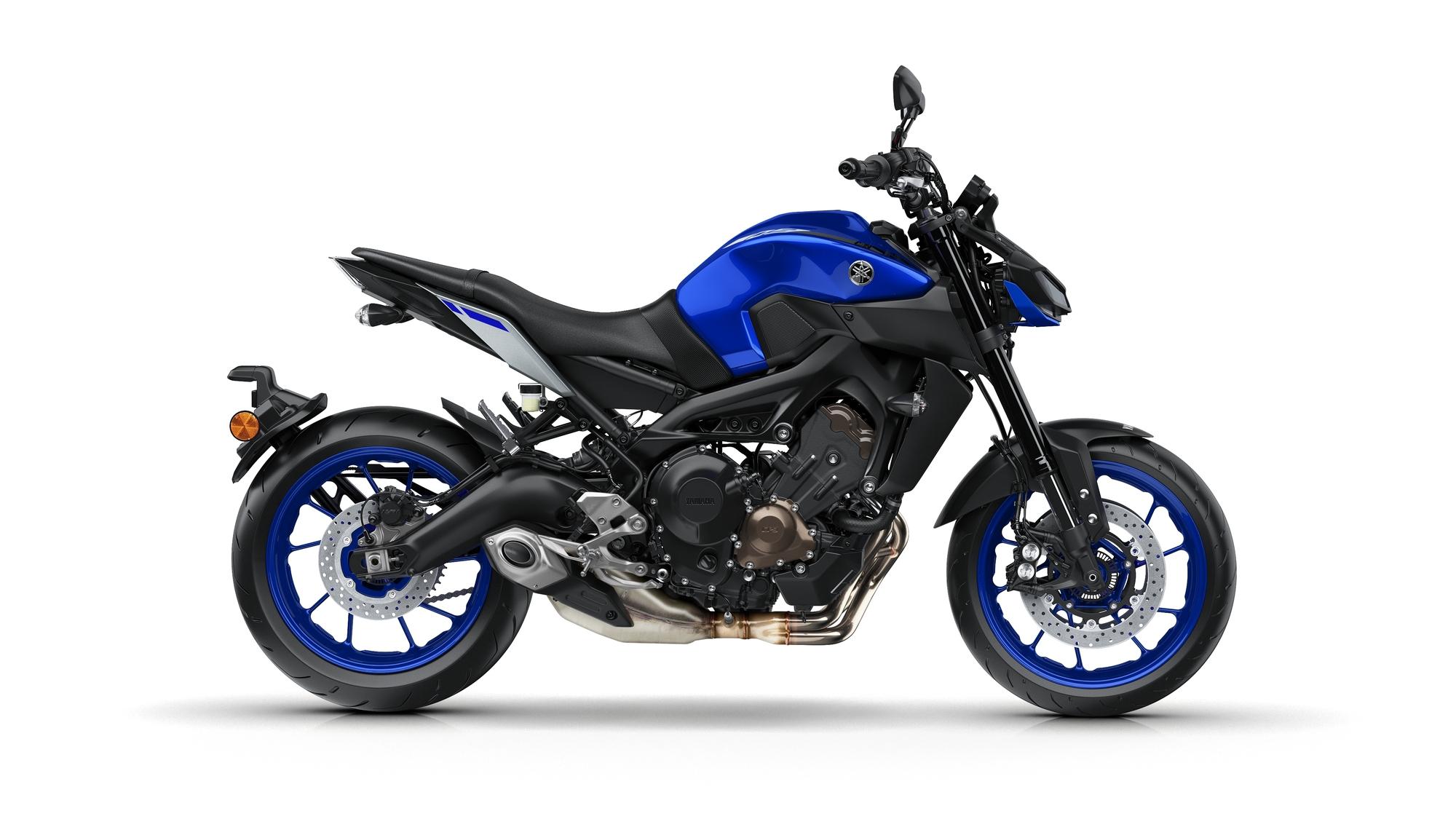 2017-Yamaha-MT-09-EU-Yamaha-Blue-Studio-002