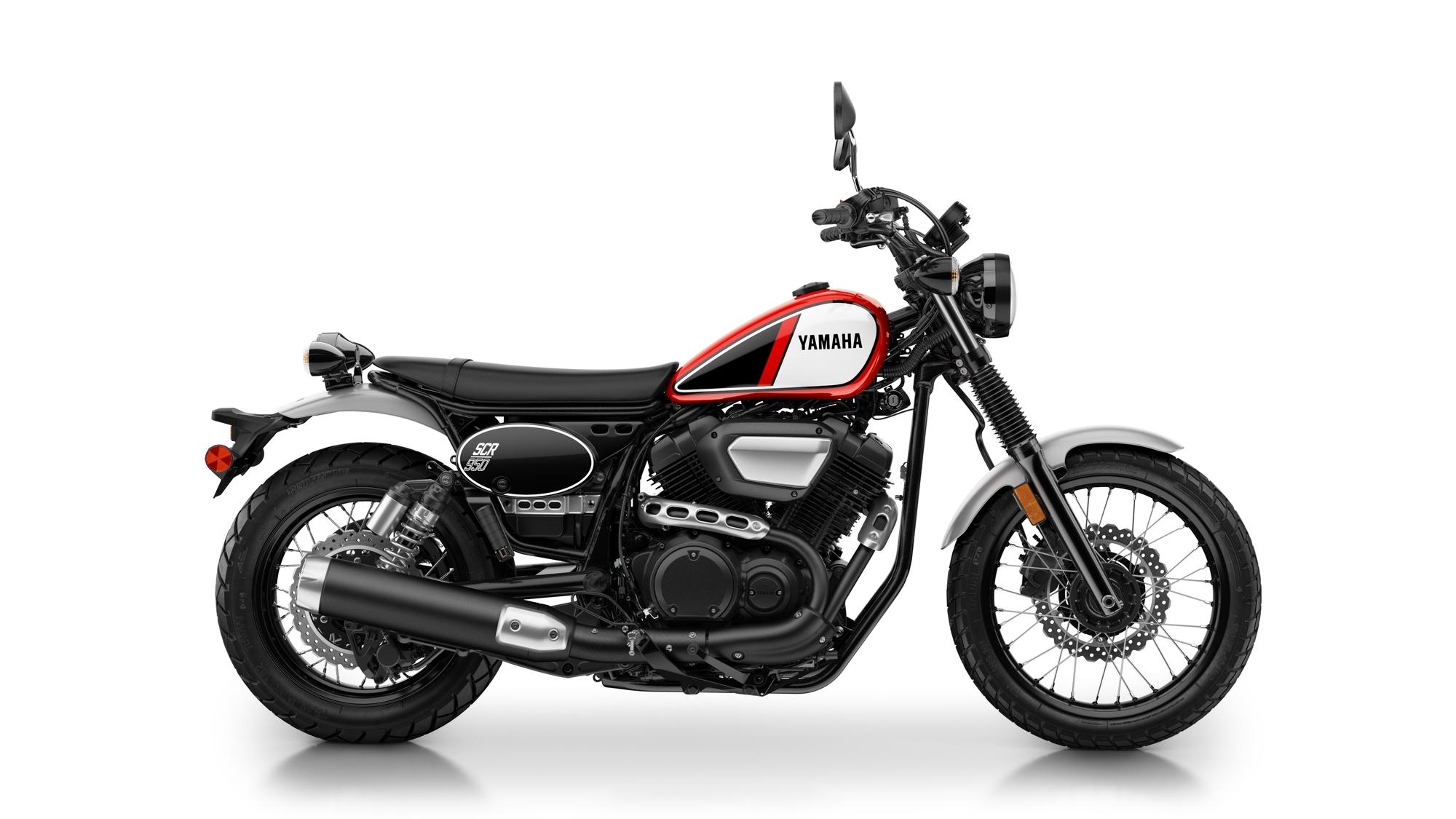 2017-Yamaha-SCR950-EU-Racing-Red-Studio-002